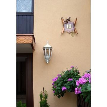 Hausnummer Kupfer, Schriftrolle mit Schmetterling