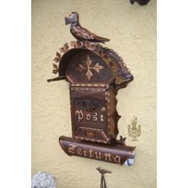 Briefkasten mit Brieftaube und Zeitungsrolle / Kupfer