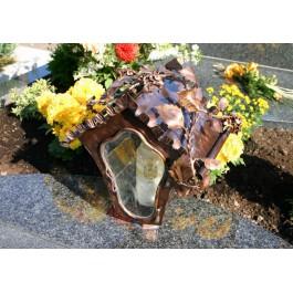 Grablampe mit Glaseinsatz und Rosenzweig - geschwungene Form / Kupfer